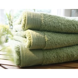 Plain lichen bath towel...